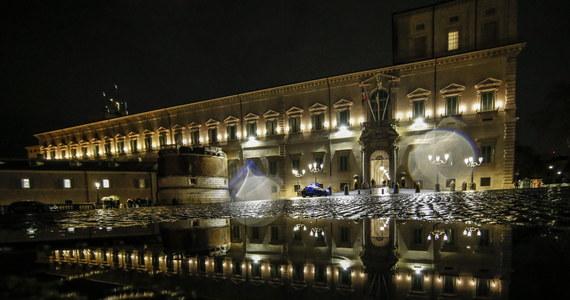 We wtorek rano premier Włoch Giuseppe Conte powiadomi podczas posiedzenia rządu o swej woli złożenia dymisji na ręce prezydenta - ogłosiła w poniedziałek jego kancelaria. Krok ten jest wynikiem osłabienia rządu po wyjściu z niego ugrupowania Italia Viva.