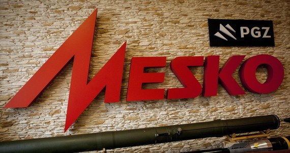 Polska Grupa Zbrojeniowa zażądała od rady nadzorczej zakładów Mesko S.A. informacji na temat zatrudnienia w firmie - dowiedział się reporter RMF FM. Międzyzwiązkowy Komitet Protestacyjny skarżyskiej fabryki twierdzi, że w spółce jest potężny przerost stanowisk dyrektorskich.