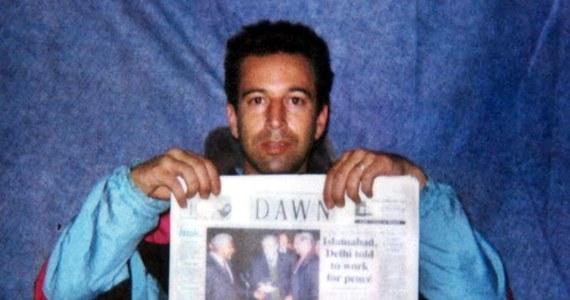 """Sąd Najwyższy Pakistanu zdecydował o zwolnieniu z więzienia mężczyzny skazanego w 2002 r., a później uniewinnionego w sprawie brutalnego zabójstwa amerykańskiego dziennikarza Daniela Pearla - poinformowała agencja AP. Członkowie rodziny Pearla w oświadczeniu ocenili decyzję sądu jako """"kompletną parodię""""."""