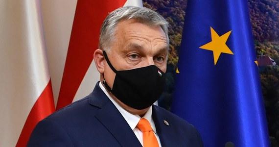 Węgry będą mogły podpisać w najbliższych dniach umowę z Chinami w sprawie zakupu szczepionki przeciw koronawirusowi - zapowiedział premier Viktor Orban w piątek w Radiu Kossuth. Powiedział też, że osobiście preferuje ten właśnie preparat.