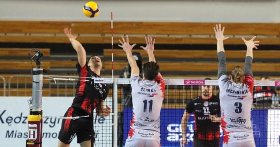 Siatkarze Grupy Azoty ZAKSY Kędzierzyn-Koźle ponieśli pierwszą porażkę w tym sezonie. W zaległym meczu 10. kolejki ulegli w swojej hali Asseco Resovii Rzeszów 2:3.