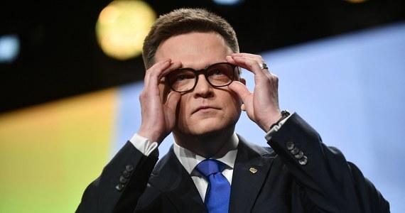 """""""Jeżeli ja jestem człowiekiem o mentalności kreta, to on jest człowiekiem o mentalności ciecia, politycznego oczywiście. (…) Pilnuje stanu posiadania opozycji – ale ten stan posiadania opozycji niczego nie zmienia, nie pozwala wygrać z PiS-em"""" – tak lider ruchu Polska 2050 Szymon Hołownia skomentował głośne słowa posła PSL Piotra Zgorzelskiego nt. jego transferowych działań. Ocenił również, że """"koalicja kreta z cieciem"""" jest możliwa. """"Tylko pytanie, (…) czy będziemy realizowali stary model, w którym to PO jest hegemonem, (…) czy też będzie to układ nowy, bardziej kreatywny"""" – zauważył."""