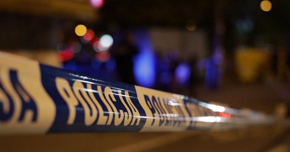 Zagadkowa śmierć małżeństwa w Łobodnie pod Kłobuckiem w Śląskiem. Ciało kobiety znaleziono przed domem, mężczyzna leżał w środku. Sprawę bada prokuratura.