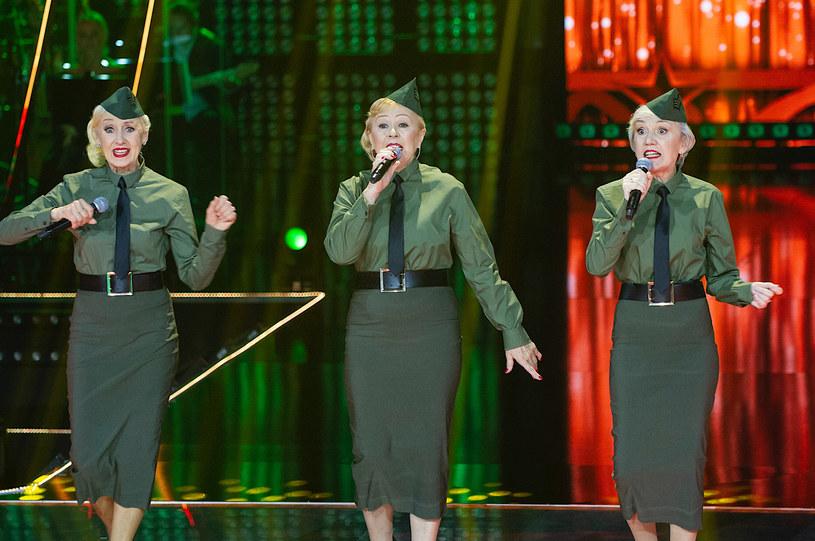 """Siostry Szydłowskie właśnie wydały swoją debiutancką płytę, a w sobotnim finale """"The Voice Senior"""" zaśpiewają w roli gościa specjalnego. Jaki utwór usłyszymy na scenie show TVP2?"""