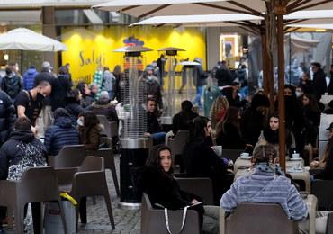 Luzowanie obostrzeń we Włoszech. Rekordowe zyski dla restauracji, wystawiono też setki mandatów