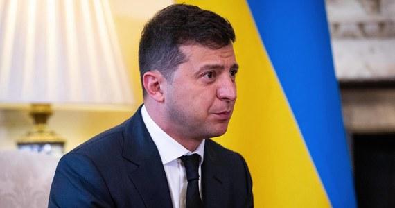 Ukraina prowadzi negocjacje z wieloma krajami, w tym z Polską, na temat przekazania przez nie nadwyżki szczepionek przeciw Covid-19 - oświadczył ukraiński prezydent Wołodymyr Zełenski.