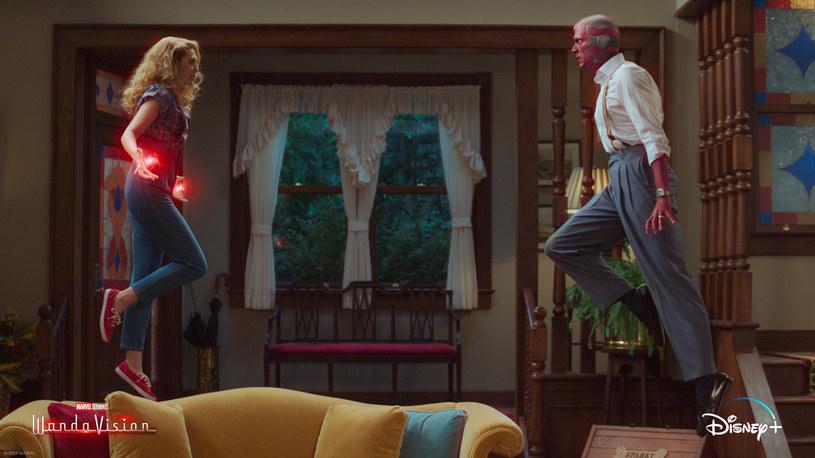 """Piąty odcinek serialu platformy streamingowej Disney+ """"WandaVision"""" przyniósł niespodziewane zakończenie. Choć przed jego emisją spekulowano, że taki rozwój wypadków jest możliwy, mało kto w to wierzył. A jednak. Finałowa scena piątego odcinka postawiła na głowie całe Kinowe Uniwersum Marvela. Zostało ono połączone z filmową serią """"X-Men"""", która do tej pory była całkowicie odrębnym cyklem."""