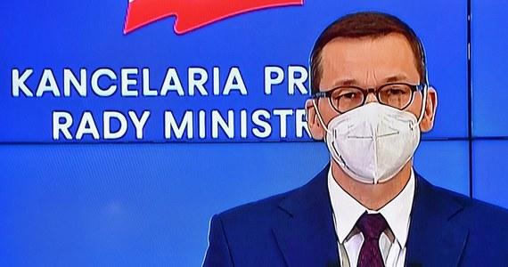 W Polsce w porównaniu do innych państw europejskich i na świecie mamy jedną z najpłytszych recesji - powiedział premier Mateusz Morawiecki na konferencji prasowej. Dodał, że za kilka tygodni przedstawiony zostanie tzw. Nowy Polski Ład.
