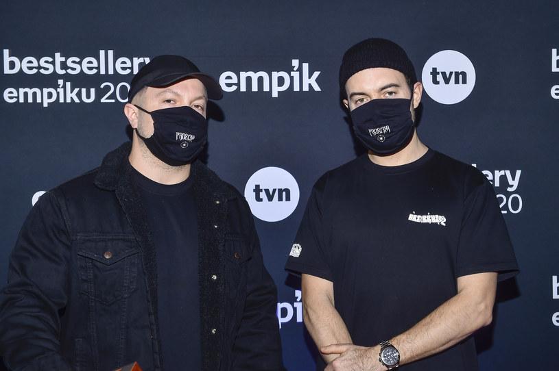 """PRO8L3M znów zaskakuje. Miał być mixtape, będzie kolejny pełnoprawny album. Rapowy duet nowym singlem zapowiada nadchodzący materiał. """"V"""" to przypomnienie o tym, """"kto z nas ma tak naprawdę znaczenie""""."""