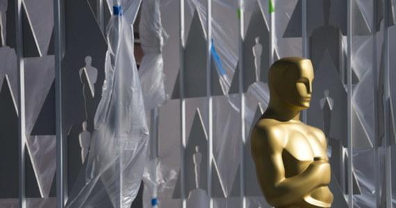 Amerykańska Akademia Sztuki i Wiedzy Filmowej zdradziła pierwsze informacje dotyczące tego, jak będzie wyglądać 93. gala rozdania Oscarów. Ze względu na pandemię koronawirusa, odbędzie się ona w znacznie późniejszym niż zwykle terminie - dopiero 25 kwietnia.