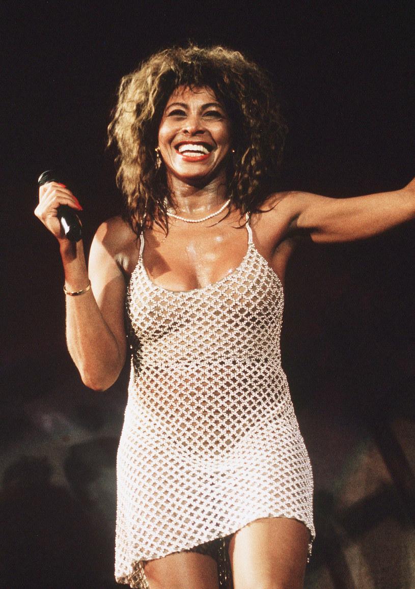 """Za kilka tygodni premierę będzie miał film dokumentalny poświęcony legendarnej wokalistce Tinie Turner. """"Tina"""" prześledzi trwającą ponad sześć dekad karierę gwiazdy estrady, która należy do grona najpopularniejszych artystek w historii. HBO zapowiada, że film ów stanowi najambitniejszy projekt poświęcony """"królowej rock'n'rolla""""."""