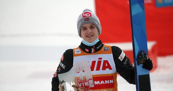 Lider klasyfikacji generalnej Pucharu Świata skokach narciarskich Norweg Halvor Egner Granerud od kilku dni jest w Zakopanem. Przyjechał do Polski samochodem i tym samym - z obawy przed zarażeniem koronawirusem na lotniskach - nie poleciał z resztą drużyny do Oslo.