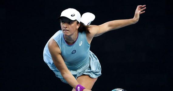 """Rozstawiona z """"15"""" Iga Świątek powalczy dzisiaj o awans do 1/8 finału Australian Open. Rywalką 19-latki będzie niespełna 24-letnia Francuzka Fiona Ferro. Tenisistki spotkają się na korcie po raz pierwszy."""