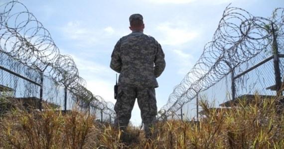 Administracja Joe Bidena zdecyduje o przyszłości amerykańskiego więzienia wojskowego w Zatoce Guantanamo na Kubie. To powrót do celu jeszcze z czasów prezydentury Baracka Obamy. Demokrata chciał wówczas zamknąć kontrowersyjny obiekt.