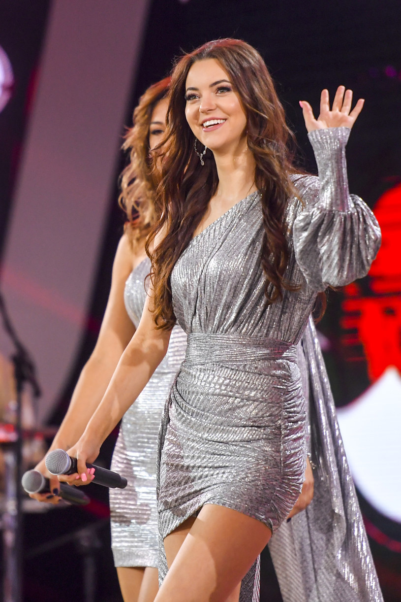 Zaskakujące wieści ze świata disco polo - zakończył się głośno komentowany związek Angeliki Żmijewskiej z grupy Top Girls i wokalisty znanego pod pseudonimem MiłyPan.