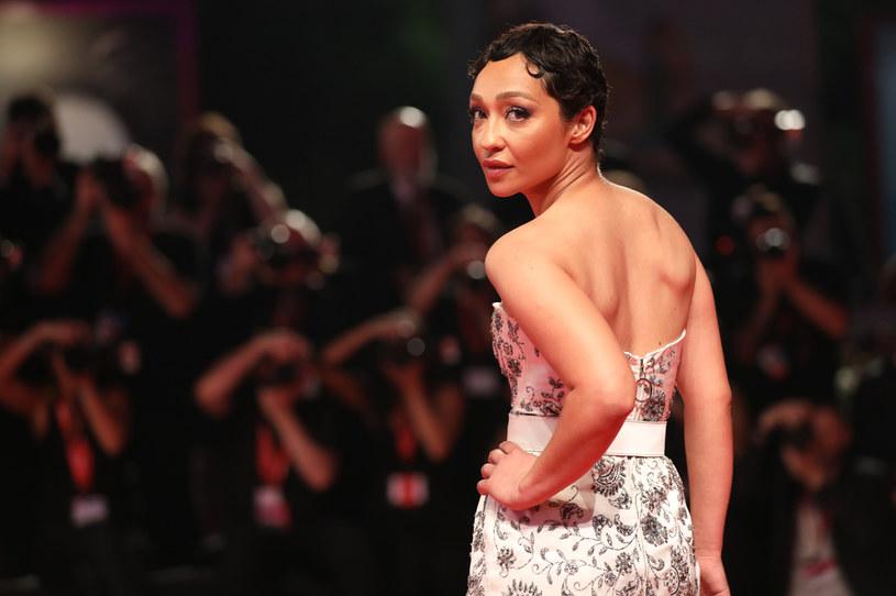"""Ruth Negga, nominowana do Oscara za rolę w filmie """"Loving"""" z 2016 roku, wcieli się w postać Josephine Baker, urodzonej w Stanach Zjednoczonych tancerki, agentki francuskiego ruchu oporu oraz bojowniczki o prawa obywatelskie. Limitowany serial o jej życiu przygotowuje stacja ABC."""