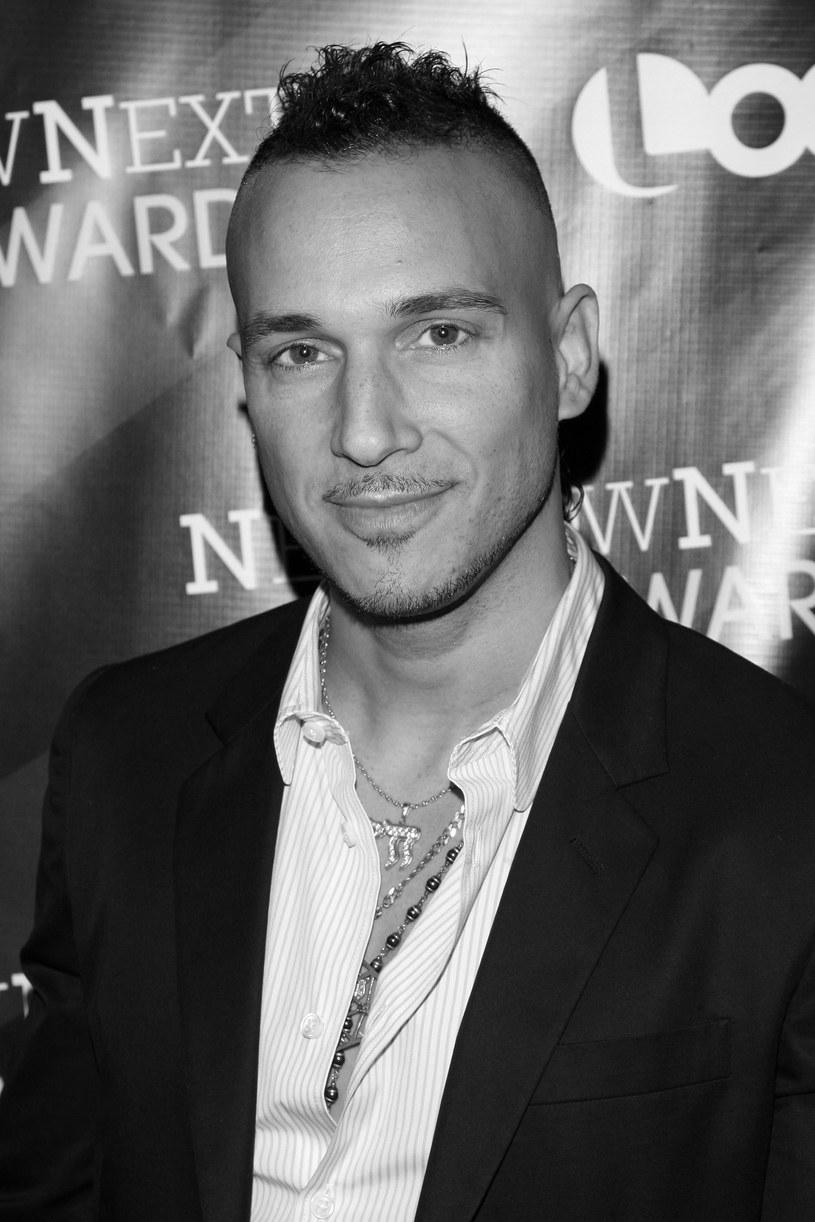Ari Gold, wokalista, aktywista i twórca muzyki klubowej, zmarł 14 lutego w wieku 47 lat. Artysta zmarł po długiej walce z białaczką.