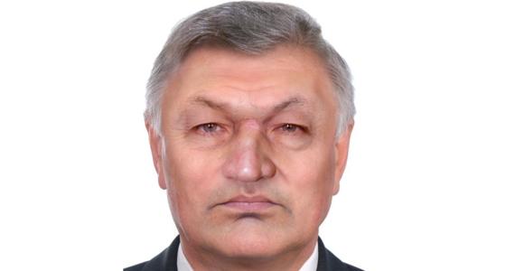 Już od ponad roku policjanci z radzyńskiej komendy próbują rozwikłać zagadkę ludzkiej czaszki, znalezionej w sortowni śmieci w miejscowości Biała. Teraz publikują wizerunek ofiary i proszą o pomoc wszystkich, którzy rozpoznają mężczyznę.