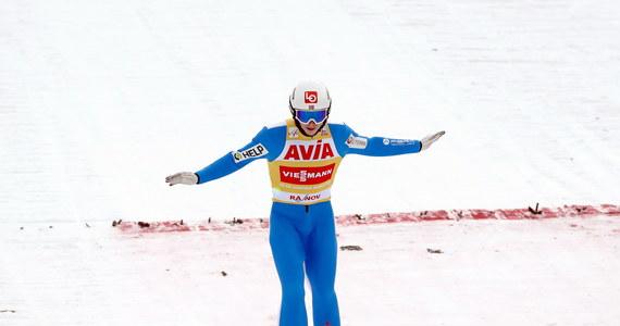 Dyskwalifikacja Halvora Egnera Graneruda po zwycięstwie w zawodach Pucharu Świata w Rasnovie tłumaczona jest w Norwegii nie tylko błędem serwismenów, którzy źle dobrali kombinezon, lecz też nagłą utratą wagi skoczka w ostatnich dniach.