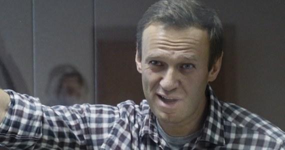 Sąd w Moskwie skazał w sobotę opozycjonistę Aleksieja Nawalnego na karę grzywny w wysokości 850 tys. rubli (ponad 42 tys. zł), uznając go za winnego zniesławienia kombatanta II wojny światowej Ignata Artiemienki. Nawalny nie przyznawał się do winy.