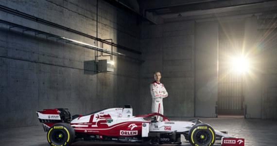 Bolid zespołu Formuły 1 Alfy Romeo został oficjalnie zaprezentowany w Warszawie na uroczystej gali w Teatrze Wielkim Opery Narodowej. W wydarzeniu, zorganizowanym na największej scenie w Europie, Kimi Räikkönen, Antonio Giovinazzi i Robert Kubica zaprezentowali nowy model C41.