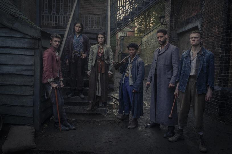 """Nowy serial Netfliksa """"Ferajna z Baker Street"""" znajdzie się w ofercie platformy streamingowej 26 marca."""