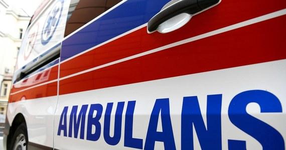 Pięć osób, w tym troje dzieci, trafiło do szpitala na obserwację, po pożarze budynku mieszkalnego. Doszło do niego w nocy w Poznaniu.