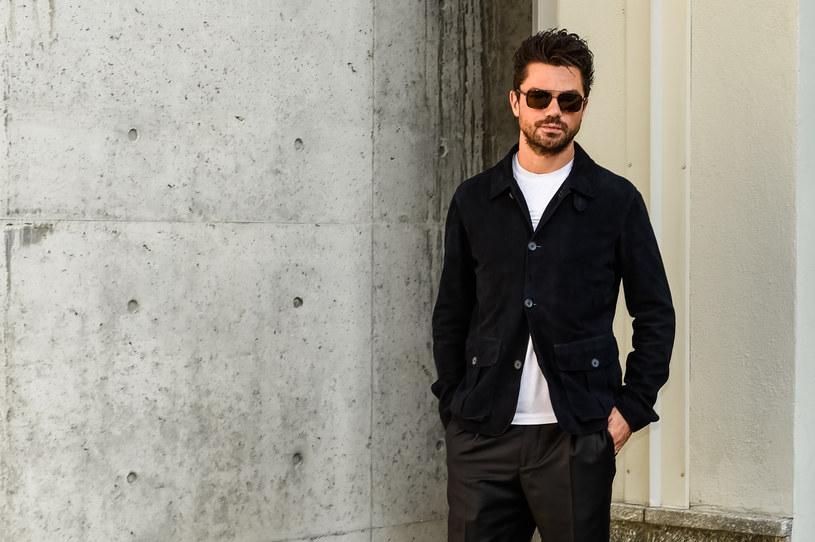"""Znany z filmów """"Mamma Mia!"""" czy """"Need for Speed"""" Dominic Cooper ma wielkiego pecha, jeśli chodzi o swoje samochody. Właśnie ukradziono mu zabytkowe Ferrari. Mógłby na to machnąć ręką, gdyby nie to, że jest to już jego czwarte auto od lipca ubiegłego roku, które padło łupem złodziei."""