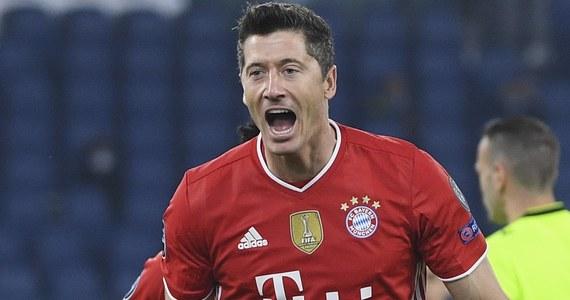 Broniący trofeum Bayern Monachium pewnie pokonał w Rzymie Lazio 4:1 w pierwszym meczu 1/8 finału piłkarskiej Ligi Mistrzów. Jedną bramkę dla gości zdobył Robert Lewandowski. Grające w roli gospodarza w Bukareszcie Atletico Madryt przegrało z Chelsea Londyn 0:1.