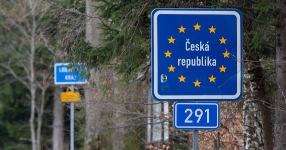 Liczba zakażeń koronawirusem rośnie w ostatnim czasie. W związku z tym minister zdrowia Adam Niedzielski ogłosił zmiany w covidowych obostrzeniach. Jedną z nich jest nałożenie obowiązkowej kwarantanny dla osób wjeżdżających do Polski z Czech i Słowacji. Od tej zasady będą jednak wyjątki.