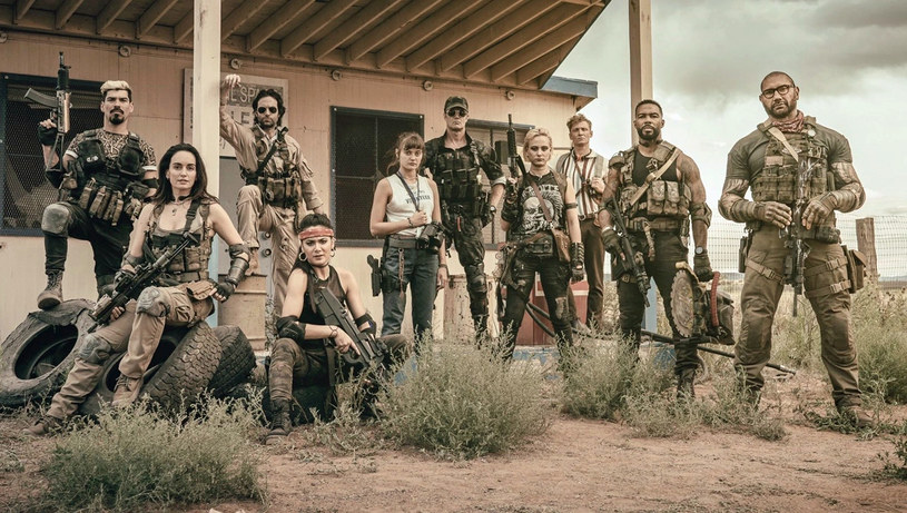 """Zgodnie z wcześniejszymi zapowiedziami, platforma streamingowa Netflix zaprezentowała w czwartek pierwszy zwiastun filmu Zacka Snydera """"Armia umarłych"""". Jego premiera zaplanowana jest na 21 maja."""