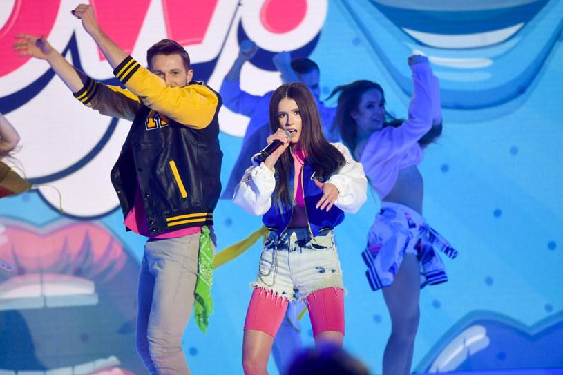 """""""Sezon 3"""" to tytuł debiutanckiego muzycznego albumu Ekipy, którą tworzą znani youtuberzy. W jednym z singli - """"Napad na bank"""" - gościnnie wystąpiła Roksana Węgiel. Młoda wokalistka opowiedziała o współpracy z popularną grupą."""