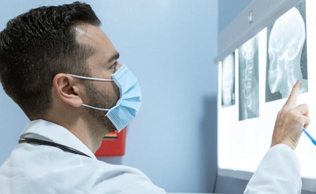 Pacjentów z chorobami rzadkimi i ultrarzadkimi w naszym kraju jest ponad 2,5 mln, a w całej Unii Europejskiej - ponad 27 mln osób. Zdaniem specjalistów, mamy do czynienia już z epidemią takich chorób, które muszą być dobrze zdiagnozowane, by można było je skutecznie leczyć.