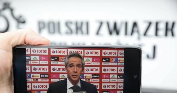 Paulo Sousa przyjechał do Polski. Selekcjoner piłkarskiej reprezentacji biało-czerwonych pojawił się w kraju, aby rozpocząć przygotowania do pierwszych spotkań w ramach eliminacji do Mistrzostw Świata, które w 2022 roku odbędą się w Katarze. Pierwsze spotkanie naszych zawodników odbędzie się za ponad 3 tygodnie na Węgrzech.