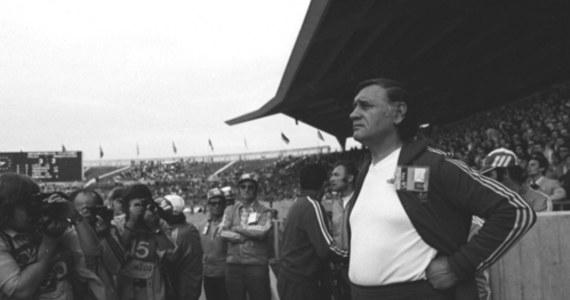 Są ludzie, bez których nie sposób wyobrazić sobie polskiej piłki nożnej. Bez wątpienia najwybitniejszym z nich jest Kazimierz Górski, twórca największych sukcesów biało-czerwonych. Dziś przypada setna rocznica urodzin legendarnego trenera, zmarłego w 2006 roku.