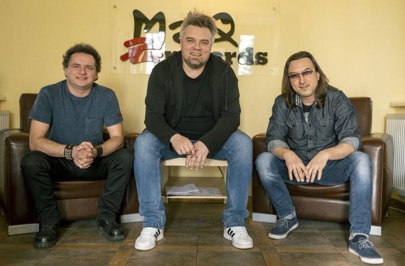 W Wojkowicach, pod czujnym okiem Michała Kuczery w studio MaQ Records trwają obecnie prace nad ostatnimi miksami najnowszej studyjnej płyty Kruka i Wojtka Cugowskiego. Wspólny album śląskiej grupy i syna Krzysztofa Cugowskiego ukaże się 14 kwietnia.
