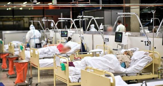 Zaczyna brakować miejsc w szpitalu tymczasowym dla pacjentów z Covid-19 na Stadionie Narodowym w Warszawie. Jak ustalił dziennikarz RMF FM Mariusz Piekarski, po powiększeniu liczby łóżek do 192 miejsca zostały niemal natychmiast zajęte - i zostało ich już tylko dwadzieścia.