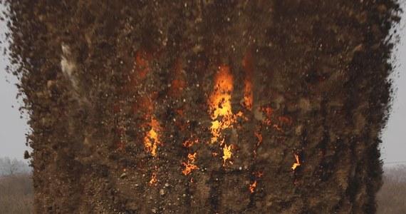 Na poligonie w Rakowie Wielkim saperzy zdetonowali ważącą ćwierć tony bombę lotniczą z czasów II wojny światowej. Wywieziono ją z budowy osiedla na wrocławskich Popowicach.