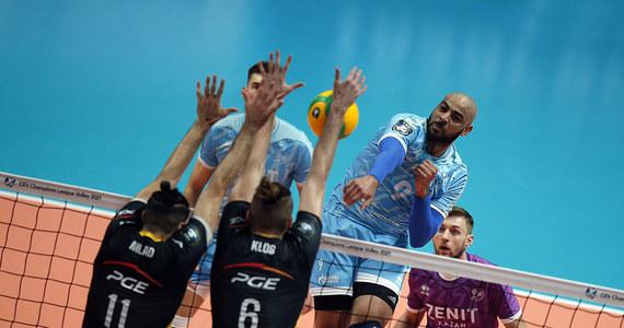 Siatkarze PGE Skry Bełchatów przegrali w Kazaniu z Zenitem 2:3 (25:22, 19:25, 17:25, 25:13, 12:15) w rewanżowym ćwierćfinałowym meczu Ligi Mistrzów i odpadli z rozgrywek. Rosyjski zespół w półfinale będzie rywalem Grupy Azoty Kędzierzyn-Koźle.