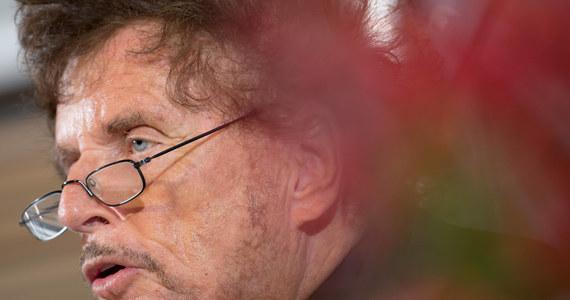 Prokuratura w Monachium postawiła reżyserowi Dieterowi Wedelowi zarzuty dotyczące gwałtu. Chodzi o zdarzenie z 1996 roku. Aktorka Jany Tempel twierdzi, że Wedel zmusił ją do seksu w hotelu w Monachium, podczas przesłuchania do roli. To najbardziej znana sprawa w niemieckiej debacie #MeToo.