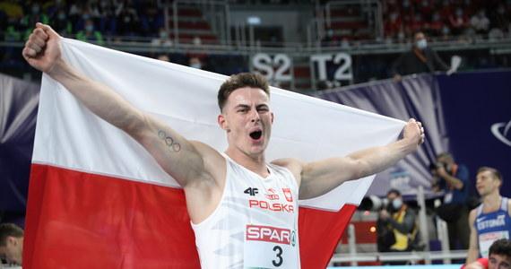 Paweł Wiesiołek zdobył w Toruniu brązowy medal halowych mistrzostw Europy w siedmioboju. Polak wynikiem 6133 pkt poprawił rekord życiowy. To drugi rezultat w historii krajowej lekkoatletyki. Dwudniową rywalizację wygrał rekordzista świata Francuz Kevin Mayer - 6392 pkt.