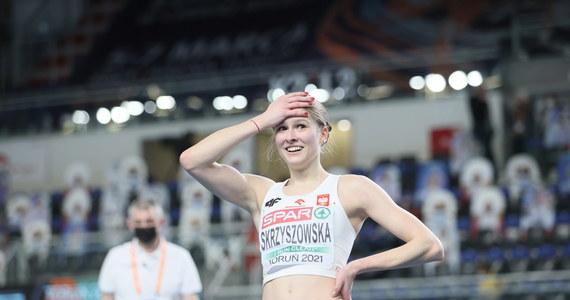 Pia Skrzyszowska zajęła piąte miejsce w biegu na 60 m ppł lekkoatletycznych halowych mistrzostw Europy w Toruniu. 19-latka debiutuwała w tak dużej imprezie, uzyskując czas 7,95. Wygrała broniąca tytułu Holenderka Nadine Visser - 7,77.