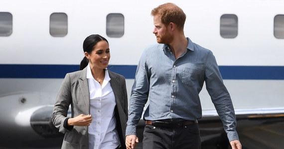 Milion funtów zapłaciła brytyjska telewizja ITV za prawo do emisji głośnego wywiadu księcia Harry'ego i księżnej Meghan, jakiego Sussexowie udzielili gwieździe amerykańskich talk-shows Oprah Winfrey. Po rozmowie medialne notowania książęcej pary wzrosły. Ich szanse na powrót na łono rodziny królewskiej sięgnęły natomiast zera.