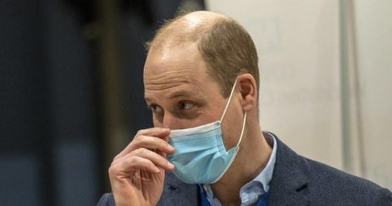 """""""Brytyjska rodzina królewska zdecydowanie nie jest rasistowska"""" - zapewnił książę Wiillam, odnosząc się do zarzutów, postawionych przez swojego młodszego brata Harry'ego i jego żonę Meghan w głośnym wywiadzie telewizyjnym. Powiedział też że, po wywiadzie nie rozmawiał jeszcze ze swoim bratem, ale planuje to zrobić."""