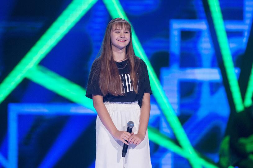 """K-pop podbija cały świat. Koreański pop pojawił się też w """"The Voice Kids"""" za sprawą Łucji Kamalli. Trenerzy nie kryli zaskoczenia."""