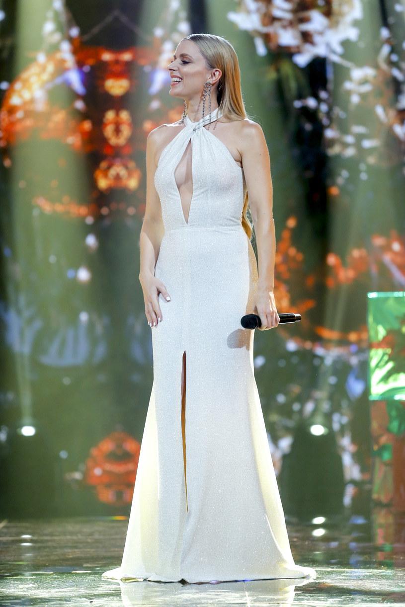 """Piosenka o odrodzeniu - tak Halina Mlynkova zapowiada swój najnowszy singel """"Szkło"""". Tekst do tego utworu napisała dla niej Bovska."""