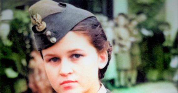 To Maria Barr, córka polskiego pułkownika, wdowa po brytyjskim pilocie polskiego pochodzenia - napisał na Twitterze dziennikarz Jan Pawlicki. W ten sposób odpowiedział na apel Instytutu Pamięci Narodowej o pomoc w identyfikacji dziewczyny ze zdjęcia.