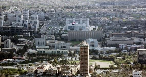 """""""Syryjska obrona powietrzna zestrzeliła we wtorek kilka rakiet nad Damaszkiem"""" - poinformowało syryjskie ministerstwo obrony, według którego była to """"izraelska agresja"""". Tel Awiw nie komentuje tych doniesień."""