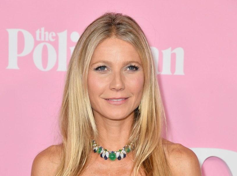"""Gwyneth Paltrow, hollywoodzka aktorka i założycielka lifestyle'owego imperium Goop, w najnowszym wywiadzie podzieliła się spostrzeżeniami na temat korzystania z dobrodziejstw medycyny estetycznej. Według niej poprawianie urody przy pomocy skalpela lub zastrzyków z botoksem wciąż jest stygmatyzowane. Gwiazda przyznała, że chciałaby to zmienić. """"Byłoby miło, gdyby ludzie zaczęli być pewni swoich wyborów i nie wstydzili się ich"""" - zaznaczyła."""