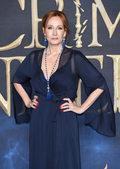 Ralph Fiennes broni oskarżanej o transfobię J. K. Rowling. Zaatakował ją Daniel Radcliffe